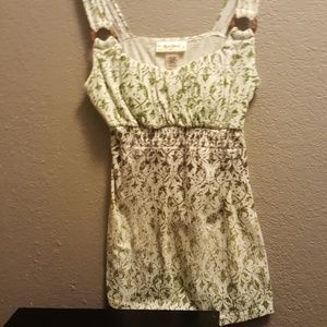 Tops - Very cute strapped top